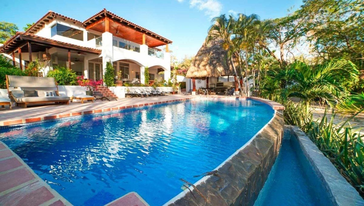 10-Bedroom B&B Investment in Tamarindo