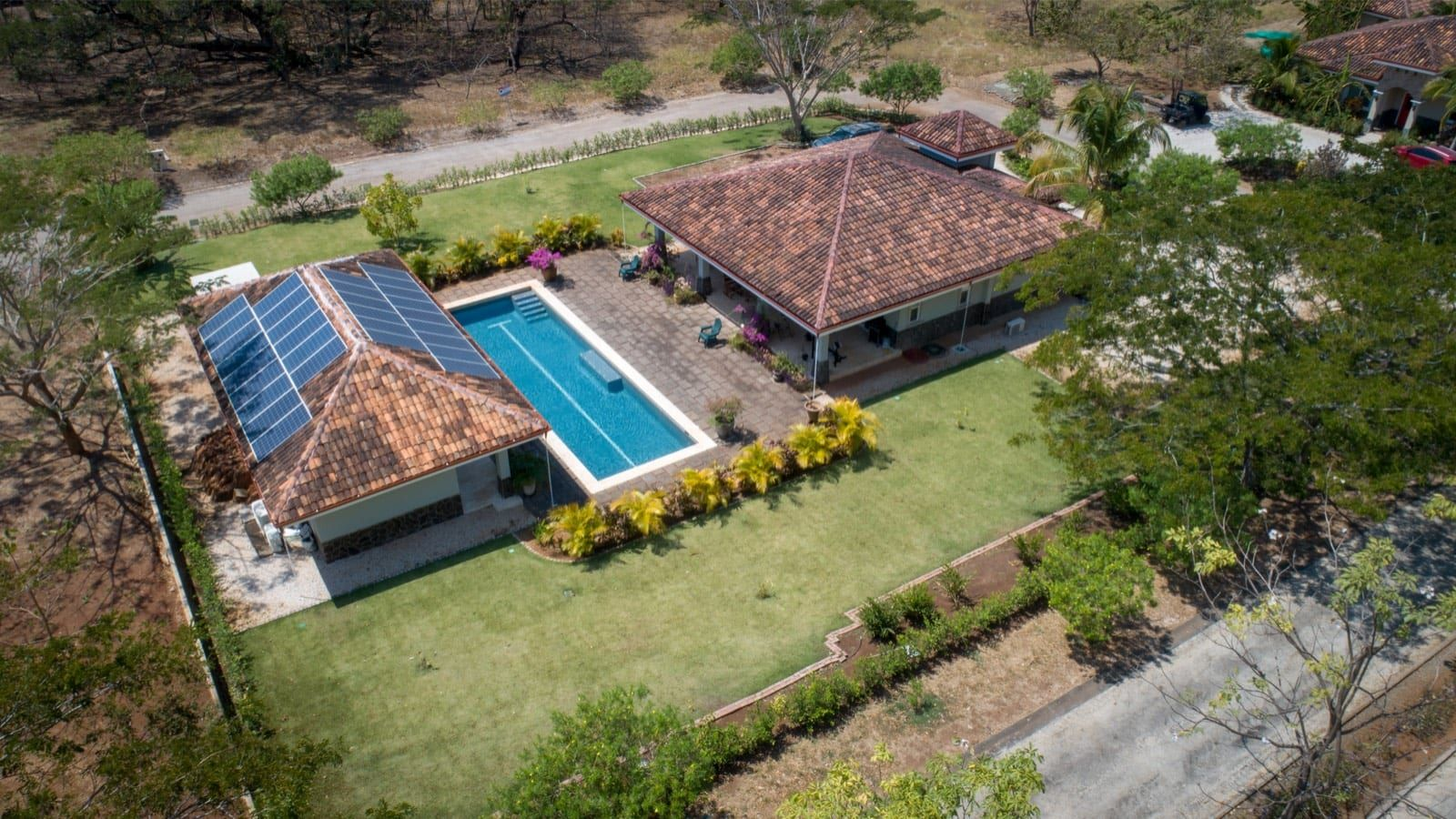 Brand New House + Cabina 5 min from Tamarindo.