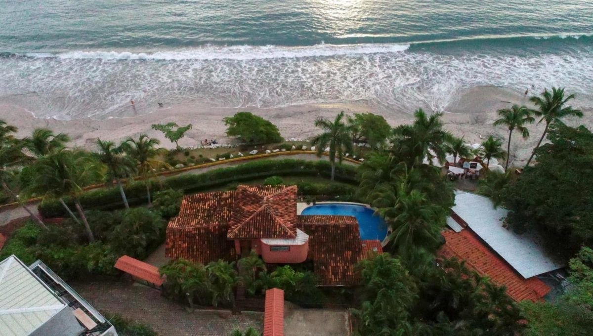 LOCATION! LOCATION! LOCATION! Oceanfront Paradise in Playa Flamingo - 21