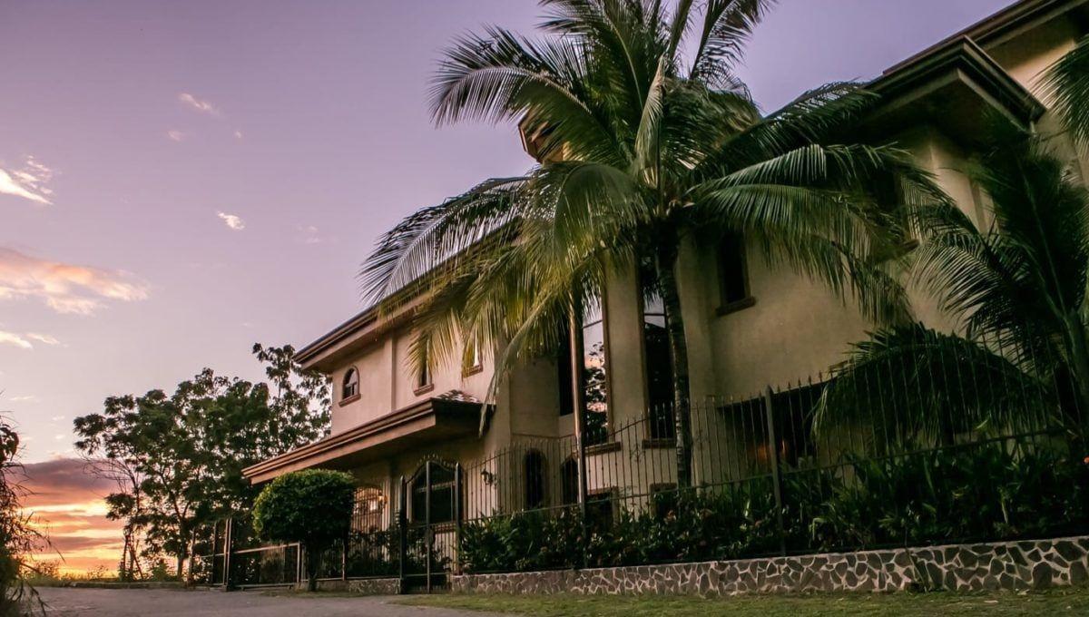Ocean Views and Deep Blue Hues-Mountain Home in Playa Flamingo - 8