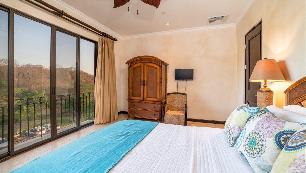 Spectaular 4-Bedroom Penthouse in Reserva Conchal - 14