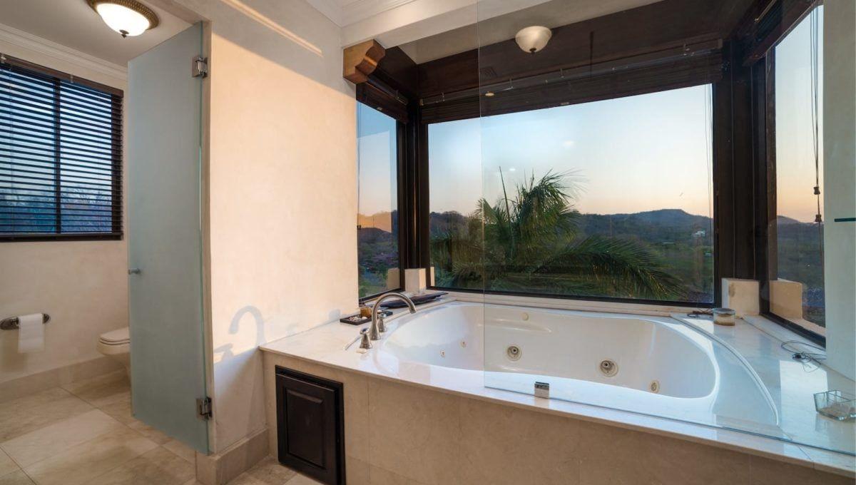 Spectaular 4-Bedroom Penthouse in Reserva Conchal - 7