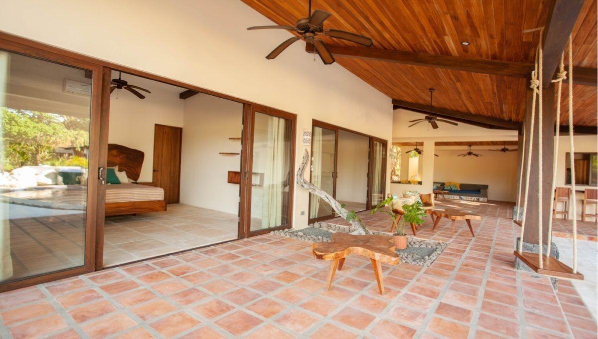 The Pinnacle of Indoor : Outdoor Living in Hacienda Pinilla 1
