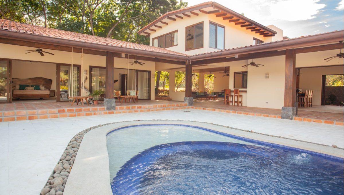 The Pinnacle of Indoor : Outdoor Living in Hacienda Pinilla 26