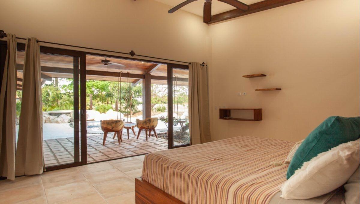 The Pinnacle of Indoor : Outdoor Living in Hacienda Pinilla 27