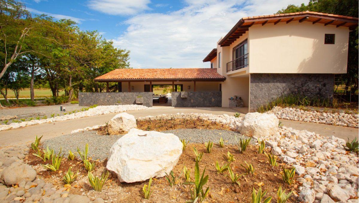 The Pinnacle of Indoor : Outdoor Living in Hacienda Pinilla 4