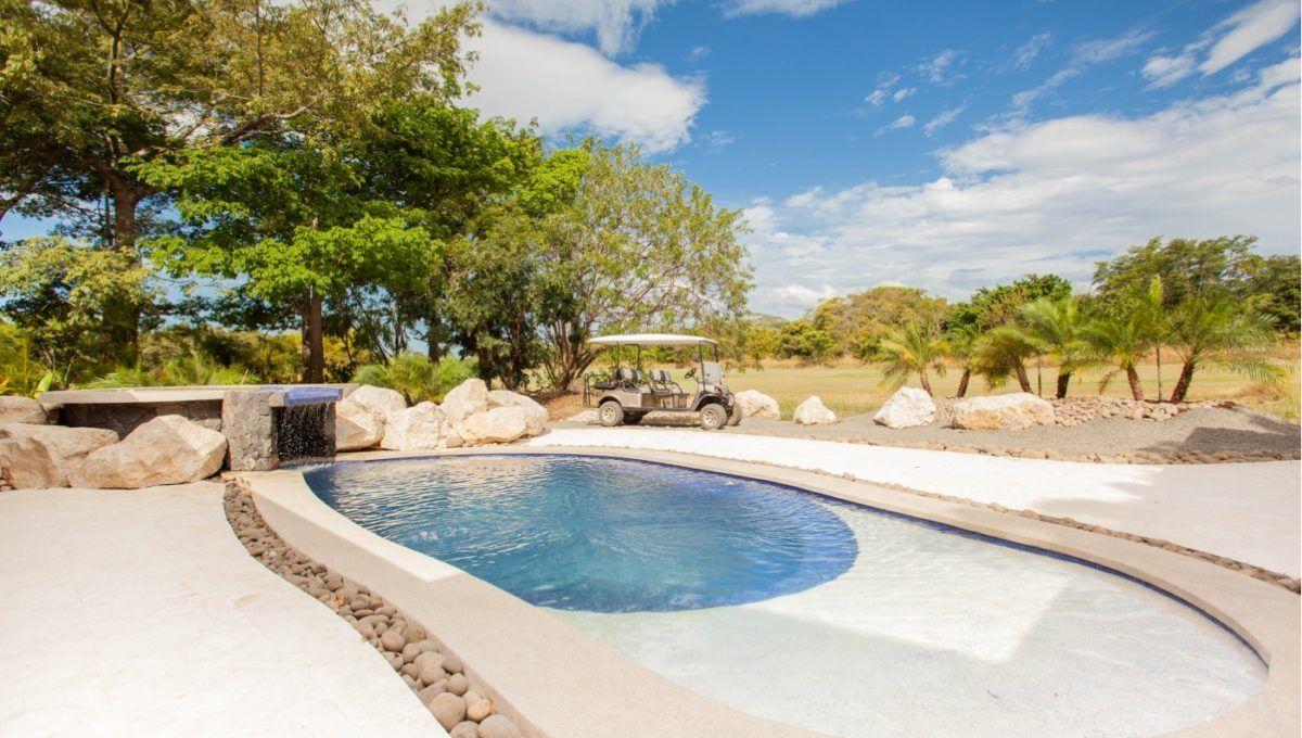 The Pinnacle of Indoor : Outdoor Living in Hacienda Pinilla 9