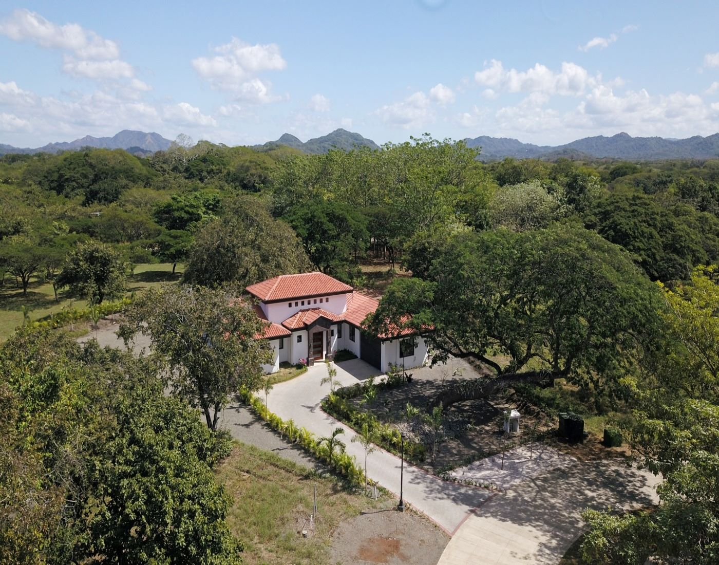 Family Safe-Haven in Costa Rica's Finest Gated Community.